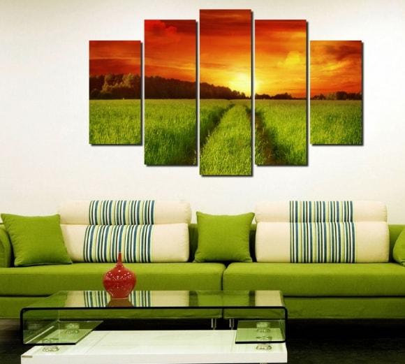 Размещение модульных картин вдоль стены