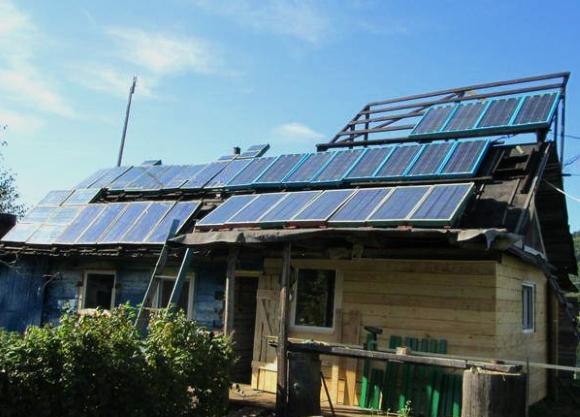 Солнечные батареи на самодельном каркасе