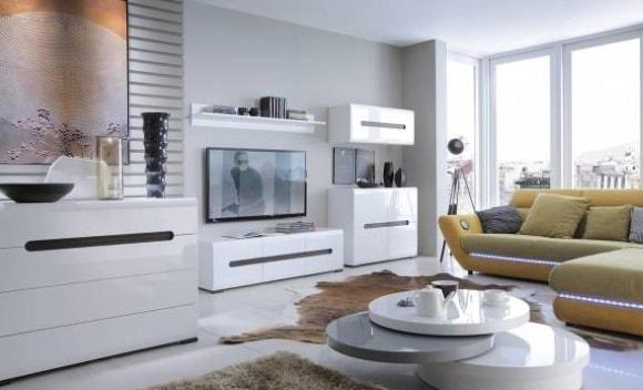 Белая глянцевая модульная мебель в современной гостиной