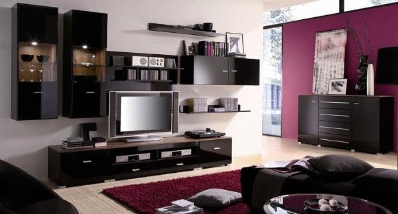 Черная глянцевая модульная мебель в современной гостиной