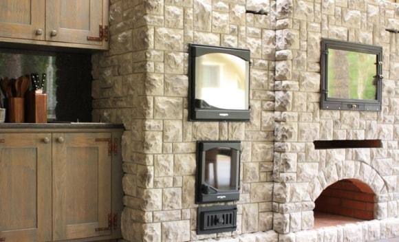 Декоративная отделка стен в квартире под камень