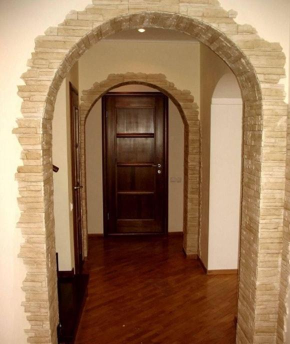 Отделка арок декоративным камнем в квартире своими руками фото