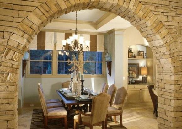 Отделка арок искусственным камнем в квартире своими руками