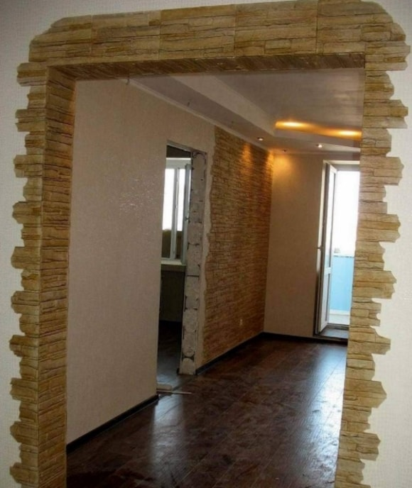 Отделка декоративным камнем дверных проемов фото