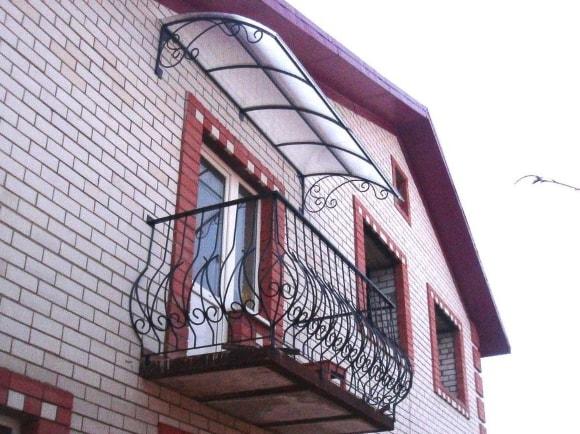 Пример балконного козырька