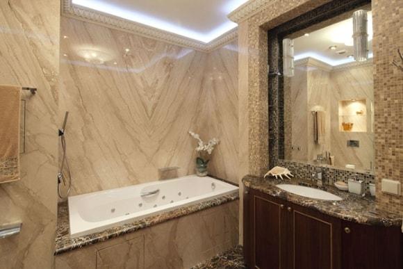 Дизайн интерьера ванной комнаты под мрамор