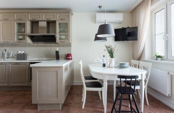 Большая кухня-столовая на фото