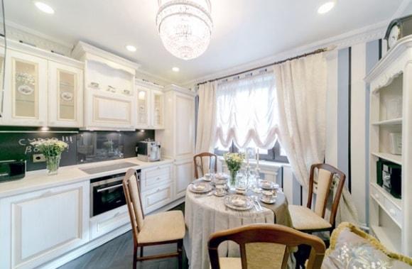 Красивый вариант дизайна большой кухни-столовой