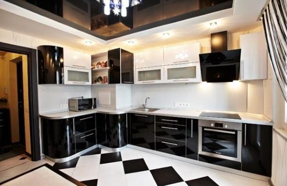 Кухня с вентиляционным коробом