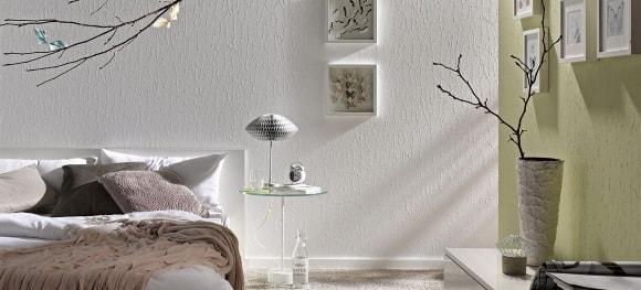 Белые жидкие обои в интерьере обычной квартиры
