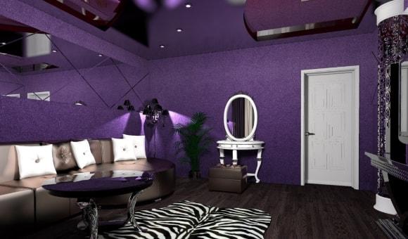 Фиолетовые жидкие обои в интерьере обычной квартиры