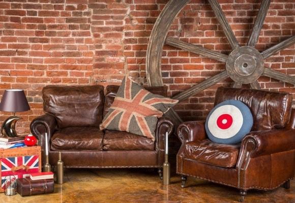 Кожаный диван и кресла в стиле лофт