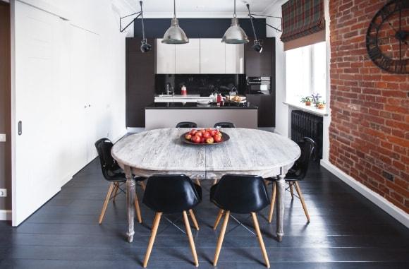 Кухонный кофейный стол в лофт-интерьере