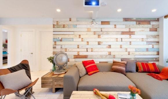 Декоративный виниловый ламинат на стене