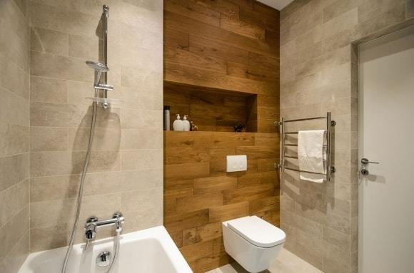 Декорирование стен ванной панно из ламината