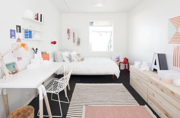 Дизайн интерьера комнаты скандинавского стиля для девушки