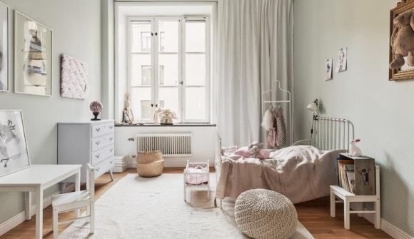 Комната скандинавского стиля для девушки