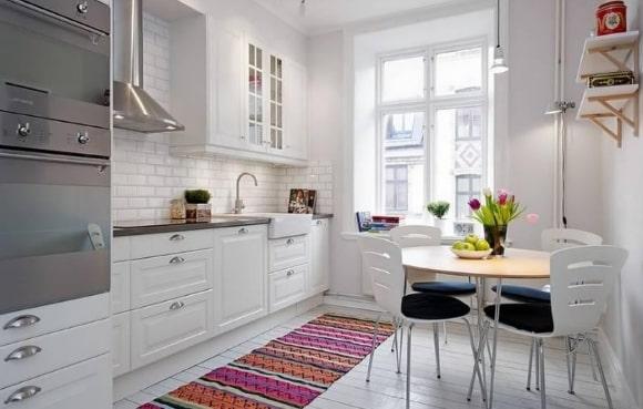 Кухонная мебель, выполненная в сканди-стиле