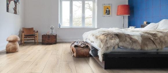 Ламинат на полу в интерьере скандинавского стиля