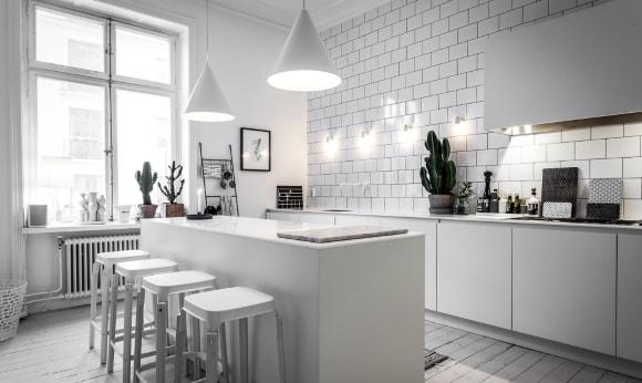 Настенные бра в интерьере кухни скандинавского стиля