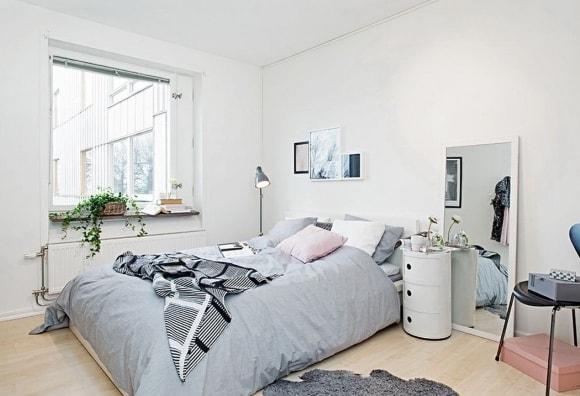 Спальня скандинавского стиля маленького размера