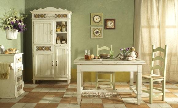 Кухня в стиле прованс с картинами
