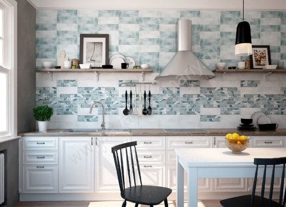 Кухня в стиле прованс с керамической плиткой