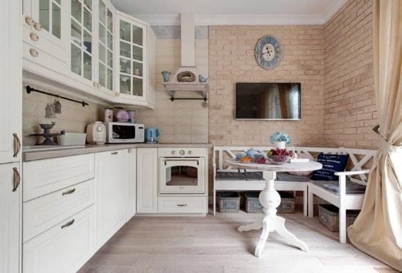Кухня в стиле прованс с мягким уголком