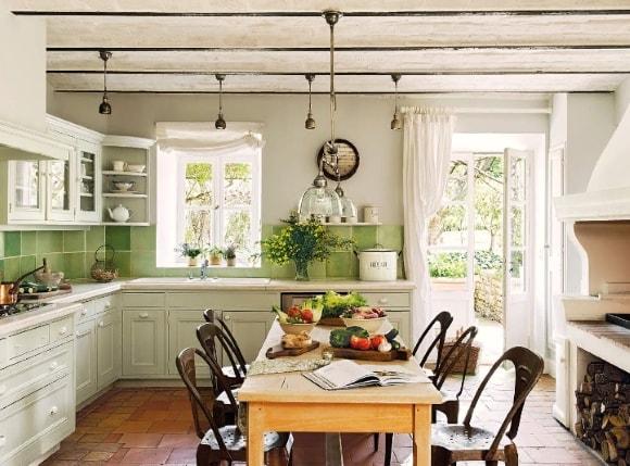 Кухня в стиле прованс в доме за городом