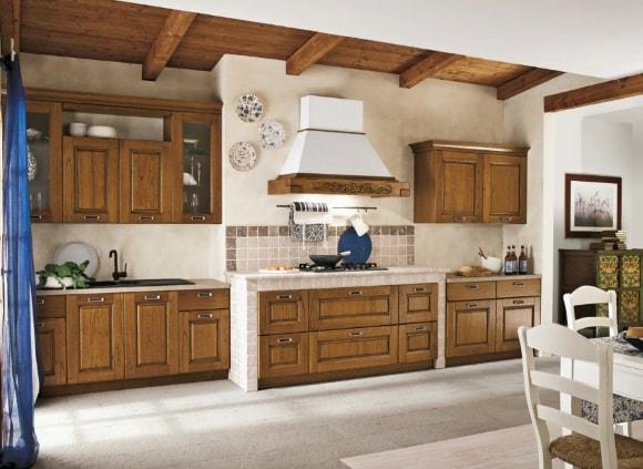 Кухонная мебель из массива дерева в стиле прованс