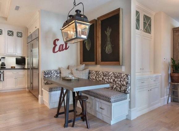 Мягкий уголок в стиле прованс на кухне