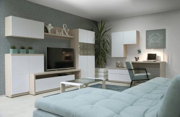 Мебельная стенка в гостиной с красивыми фасадами