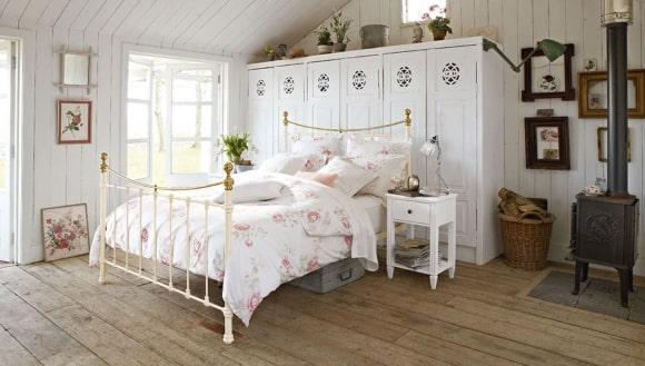 Дизайн деревенской прованской спальни