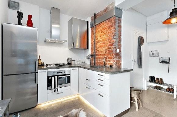 Кухня в стиле лофт в недорогом интерьере
