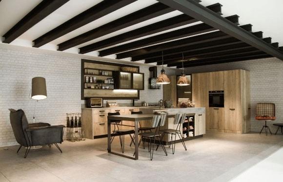 Лофт-кухня в интерьере дома