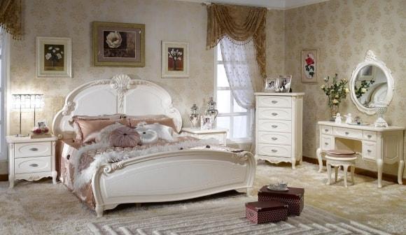 Прованская спальня с кофейным столиком