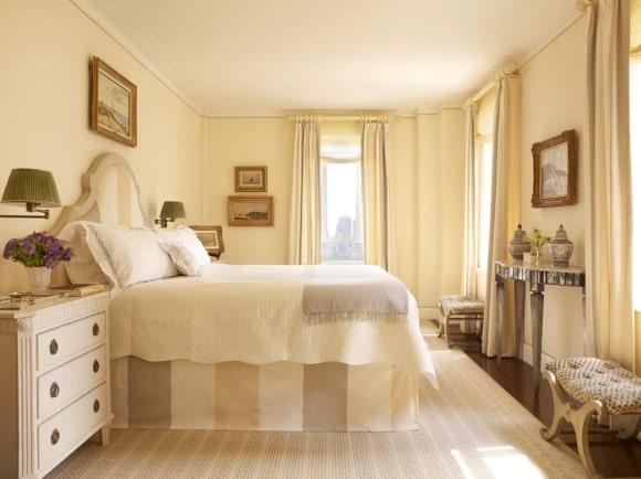 Спальня в стиле прованс в бежевых тонах