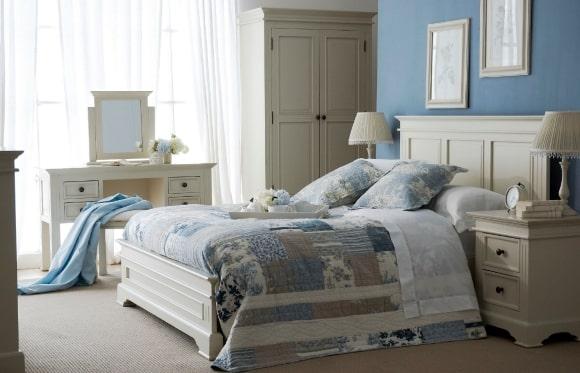 Спальня в стиле прованс в голубых тонах