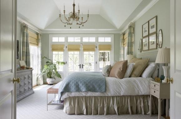 Дизайн прованской спальни в интерьере загородного дома