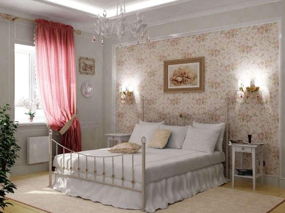 Прованская спальня с картиной