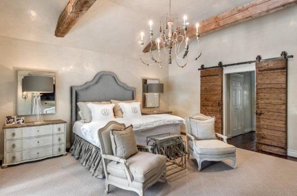 Вариант совмещения прованской спальни